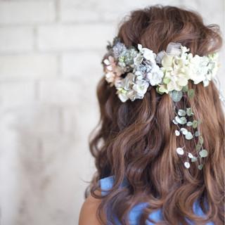 花嫁 花 セミロング ナチュラル ヘアスタイルや髪型の写真・画像
