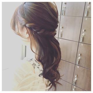 結婚式 ヘアアレンジ ナチュラル ルーズ ヘアスタイルや髪型の写真・画像