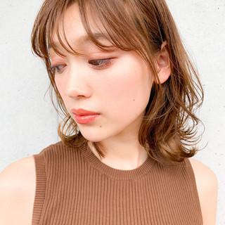 ミディアム インナーカラー ニュアンスウルフ ナチュラル ヘアスタイルや髪型の写真・画像