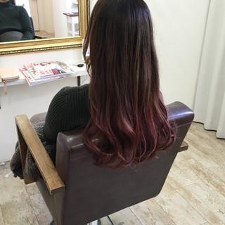 レッド 外国人風カラー モード グラデーションカラー ヘアスタイルや髪型の写真・画像