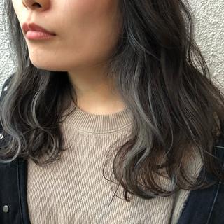 セミロング アッシュ ダブルカラー 外国人風カラー ヘアスタイルや髪型の写真・画像 ヘアスタイルや髪型の写真・画像