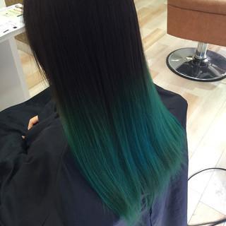 ビビッドカラー グリーン グラデーションカラー ロング ヘアスタイルや髪型の写真・画像 ヘアスタイルや髪型の写真・画像