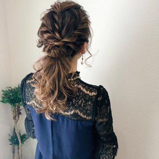 ローポニー 結婚式 お呼ばれヘア フェミニン ヘアスタイルや髪型の写真・画像