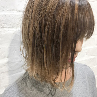 シアーベージュ 涼しげ ナチュラル ヘアアレンジ ヘアスタイルや髪型の写真・画像
