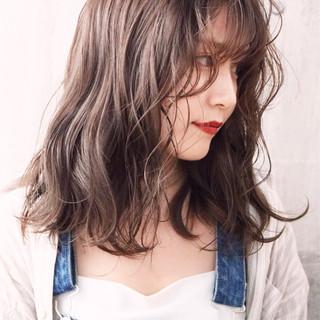 外国人風カラー ミディアム パーマ 簡単ヘアアレンジ ヘアスタイルや髪型の写真・画像