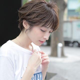 ミニボブ インナーカラー フェミニン ショートヘア ヘアスタイルや髪型の写真・画像