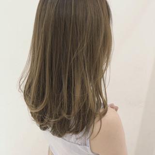 オフィス フェミニン エフォートレス グレージュ ヘアスタイルや髪型の写真・画像