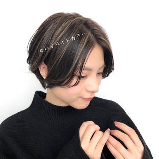 ハイライト 大人かわいい ショートボブ 暗髪 ヘアスタイルや髪型の写真・画像