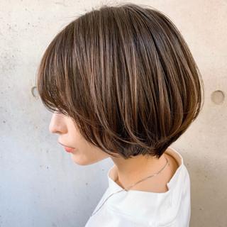フェミニン ショート ゆるふわパーマ ショートヘア ヘアスタイルや髪型の写真・画像