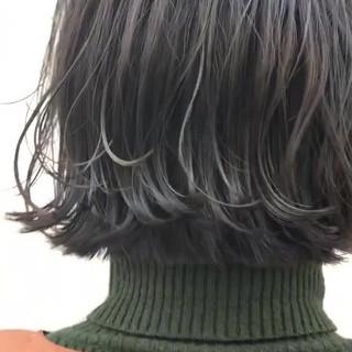 カジュアル 外ハネボブ 切りっぱなしボブ ニュアンスヘア ヘアスタイルや髪型の写真・画像