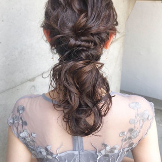 結婚式ヘアアレンジ デート セミロング ガーリー ヘアスタイルや髪型の写真・画像