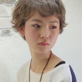 アッシュ ワイドバング ショート ピュア ヘアスタイルや髪型の写真・画像