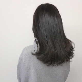外ハネ ブルージュ ロング アッシュ ヘアスタイルや髪型の写真・画像