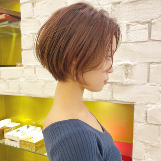 ベリーショート ショート ミニボブ 切りっぱなしボブ ヘアスタイルや髪型の写真・画像
