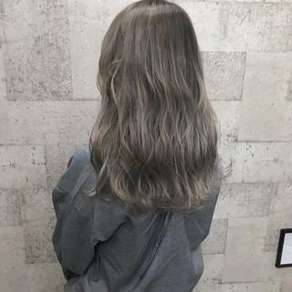 ハイトーン 外国人風 ブリーチ モード ヘアスタイルや髪型の写真・画像