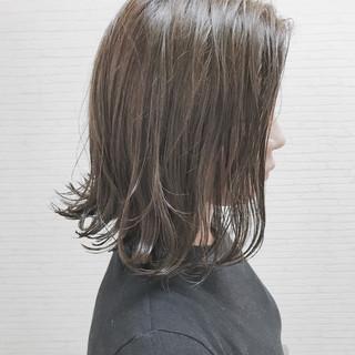 ナチュラル ウェーブ 切りっぱなし アンニュイ ヘアスタイルや髪型の写真・画像