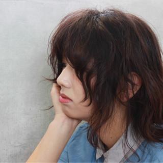 パーマ ウェーブ ミディアム レイヤーカット ヘアスタイルや髪型の写真・画像 ヘアスタイルや髪型の写真・画像