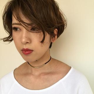 アッシュベージュ アンニュイ 涼しげ ナチュラル ヘアスタイルや髪型の写真・画像