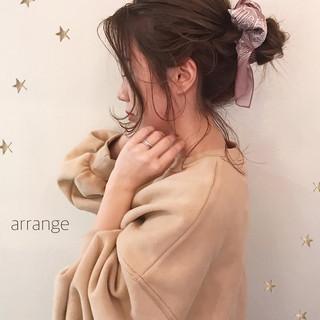 ヘアアレンジ アンニュイほつれヘア デート セミロング ヘアスタイルや髪型の写真・画像
