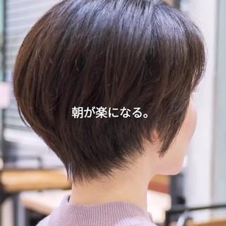 前下がり フェミニン ショートヘア ミニボブ ヘアスタイルや髪型の写真・画像