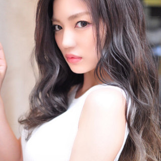フェミニン グラデーションカラー 透明感 外国人風カラー ヘアスタイルや髪型の写真・画像