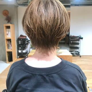 ナチュラルベージュ ブリーチ ベージュ ナチュラル ヘアスタイルや髪型の写真・画像