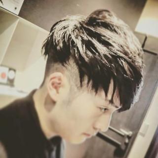 刈り上げ モード 黒髪 ショート ヘアスタイルや髪型の写真・画像