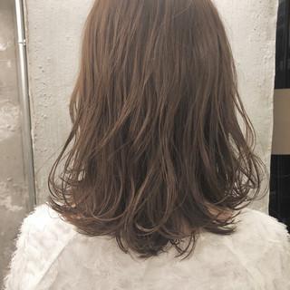 透明感 ハイライト 切りっぱなし おフェロ ヘアスタイルや髪型の写真・画像