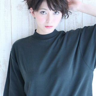 ショート モード 大人かわいい ストレート ヘアスタイルや髪型の写真・画像