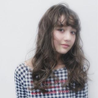 ピュア フェミニン ガーリー 外国人風 ヘアスタイルや髪型の写真・画像 ヘアスタイルや髪型の写真・画像