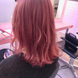 ピンクラベンダー ミディアム デート ガーリー ヘアスタイルや髪型の写真・画像