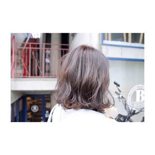 外国人風 おフェロ 透明感 秋 ヘアスタイルや髪型の写真・画像 ヘアスタイルや髪型の写真・画像