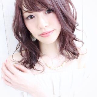 ガーリー セミロング ピンク ブリーチなし ヘアスタイルや髪型の写真・画像