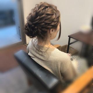 ヘアアレンジ ねじり セミロング フェミニン ヘアスタイルや髪型の写真・画像