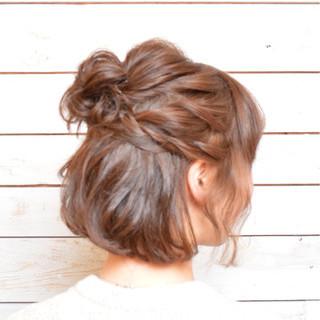 アップスタイル ねじり お団子 ボブ ヘアスタイルや髪型の写真・画像