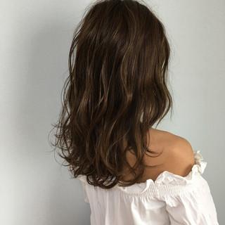 セミロング フェミニン モテ髪 春 ヘアスタイルや髪型の写真・画像