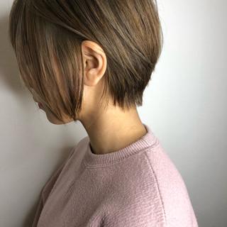 ショートヘア グレージュ 大人ショート アッシュ ヘアスタイルや髪型の写真・画像 ヘアスタイルや髪型の写真・画像
