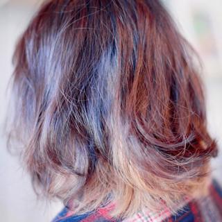 ミディアム ストリート インナーカラー ヘアスタイルや髪型の写真・画像