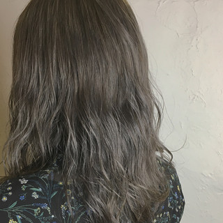 外国人風 ブリーチ アッシュ モテ髪 ヘアスタイルや髪型の写真・画像