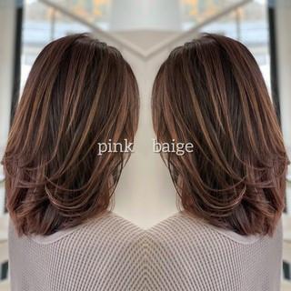 派手髪 ミディアム 3Dハイライト ラベンダーピンク ヘアスタイルや髪型の写真・画像