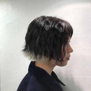 ナチュラル ホワイト インナーカラー 透明感 ヘアスタイルや髪型の写真・画像