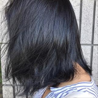 ネイビー 暗髪 オフィス ウェーブ ヘアスタイルや髪型の写真・画像