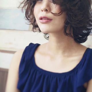 マッシュ ウェーブ ボブ リラックス ヘアスタイルや髪型の写真・画像 ヘアスタイルや髪型の写真・画像