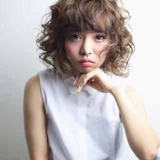 ミディアム ヘアアレンジ ハイライト 外国人風 ヘアスタイルや髪型の写真・画像