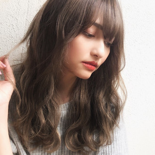 ナチュラル グレージュ イルミナカラー デジタルパーマ ヘアスタイルや髪型の写真・画像