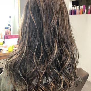 エレガント 上品 グラデーションカラー セミロング ヘアスタイルや髪型の写真・画像