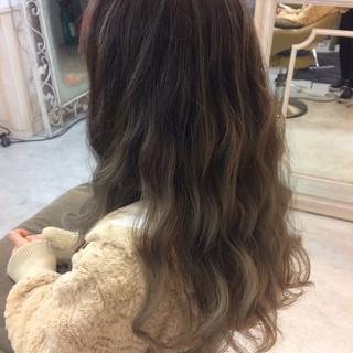 グラデーションカラー ストリート アッシュ 暗髪 ヘアスタイルや髪型の写真・画像