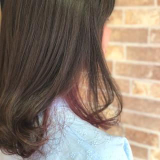 ピンク ミディアム 春 フェミニン ヘアスタイルや髪型の写真・画像 ヘアスタイルや髪型の写真・画像