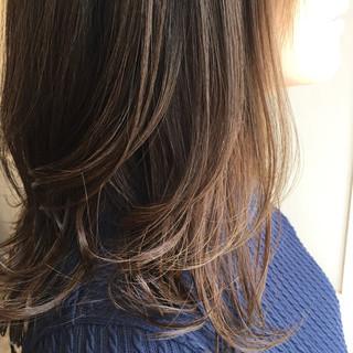ゆるふわ ブラウン 外国人風 艶髪 ヘアスタイルや髪型の写真・画像