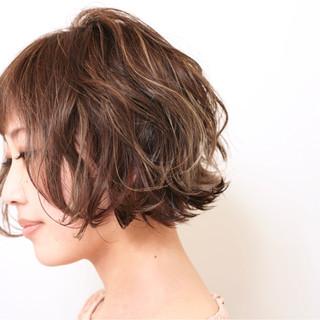 外国人風 色気 ボブ ハイライト ヘアスタイルや髪型の写真・画像